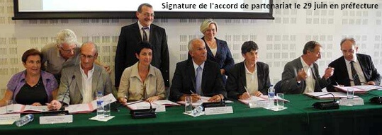 11-06-29 Signature accord saisonnier